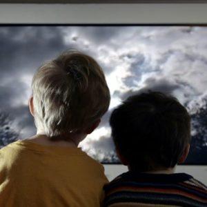 ChildrenWatchingTV_GettyImages-750x500